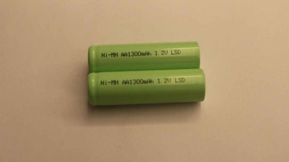 Low Discharge 1300mAh 1.2V aaa nimh rechargeable batteries Green Energy